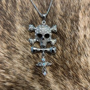 Jewelry - Crystal Skull Necklace